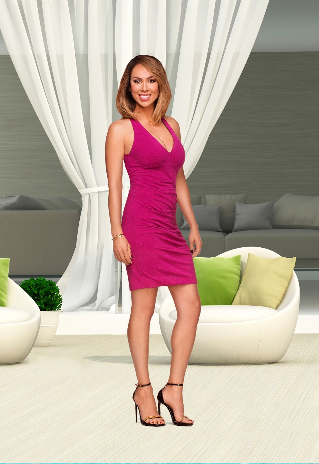 Irealhousewives The 411 On American International Real