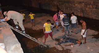 Homem perde o controle da moto e cai em canal de cidade no interior da Paraíba