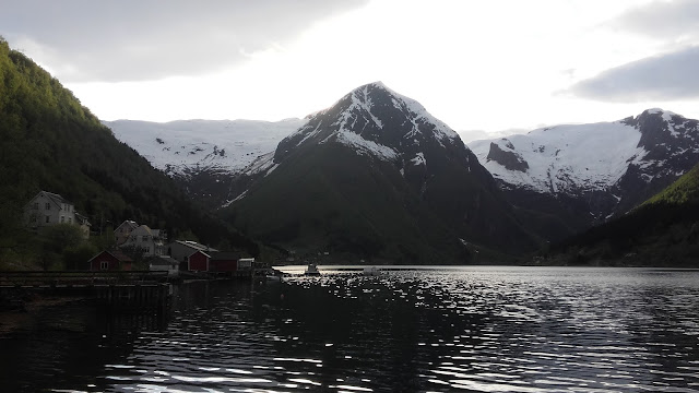 Norvège  : Le Sognefojord à Balestrand