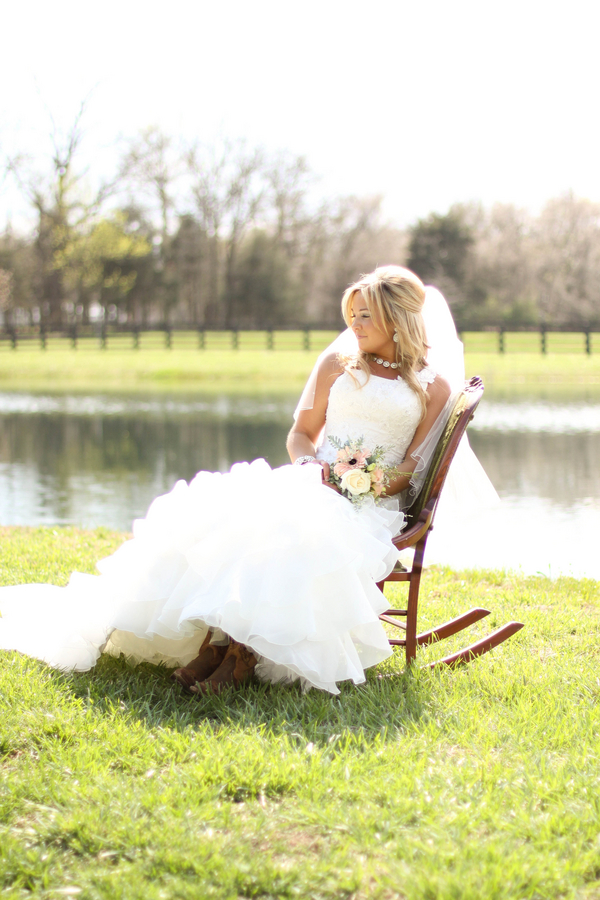 Southern+charm+belle+cowgirl+cowboy+rustic+outdoor+vintage+boots+horse+farm+barn+south+north+carolina+blonde+bride+style+hair+hairdo+updo+half+updo+Mallory+Dawn+Photography+9 - Detail Spotlight - Bridal Portraits