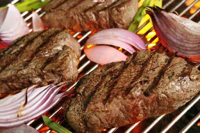 اللحم الاحمر يحتوي على الكثير من ڨيتامين ب12