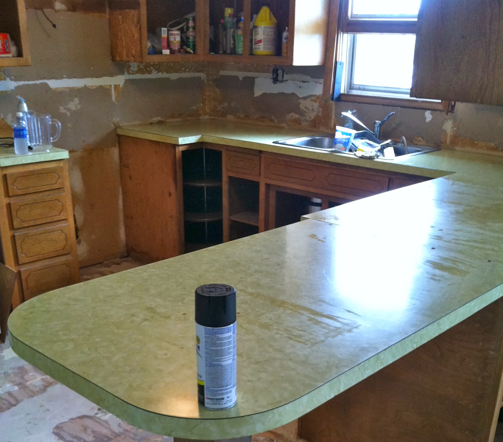DIY Why Spend More: Faux granite countertops