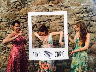 Photocall de madera personalizado para bodas diferentes y divertidas