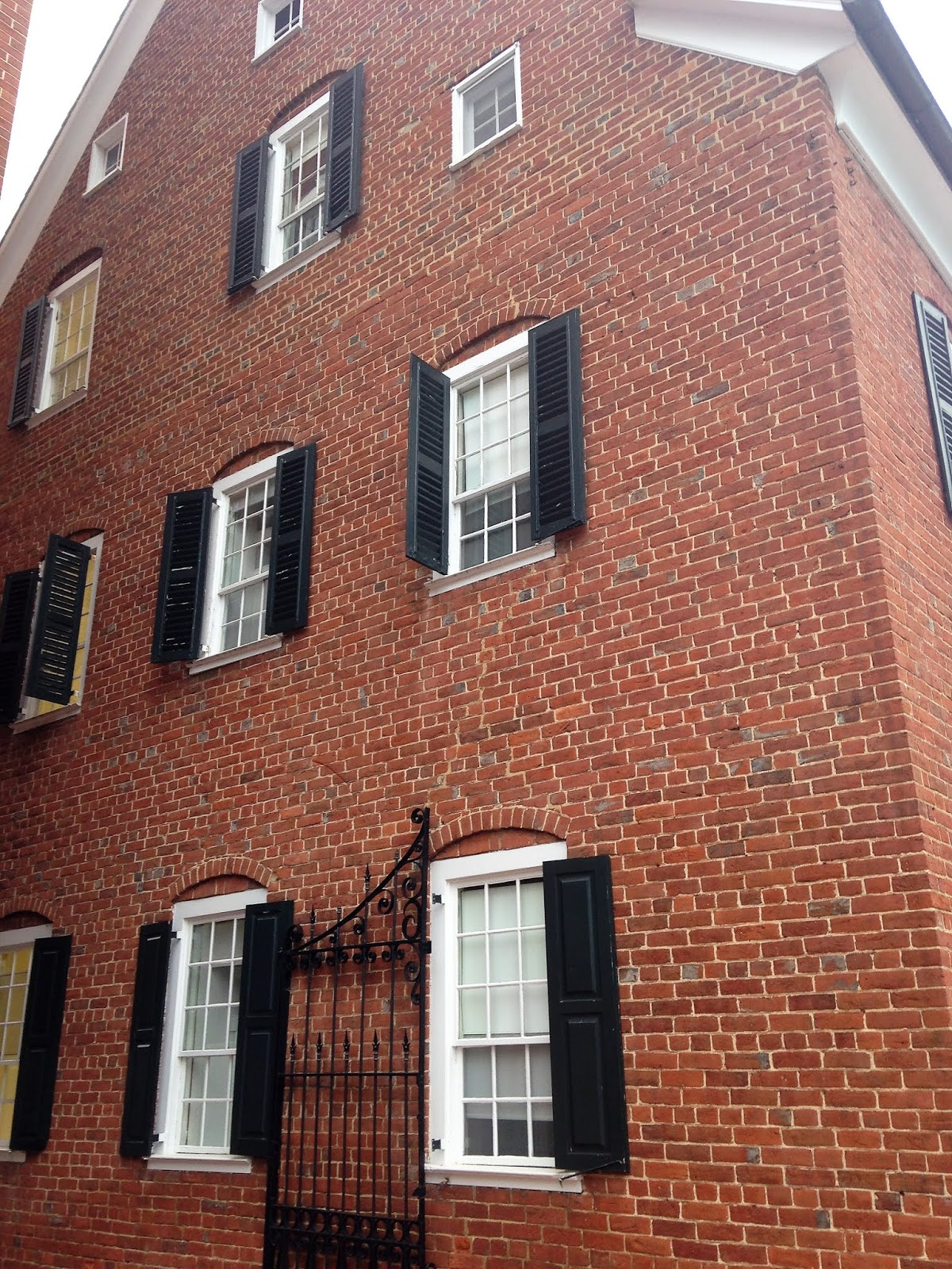 Heroes, Heroines, and History: The Moravian Town of Salem