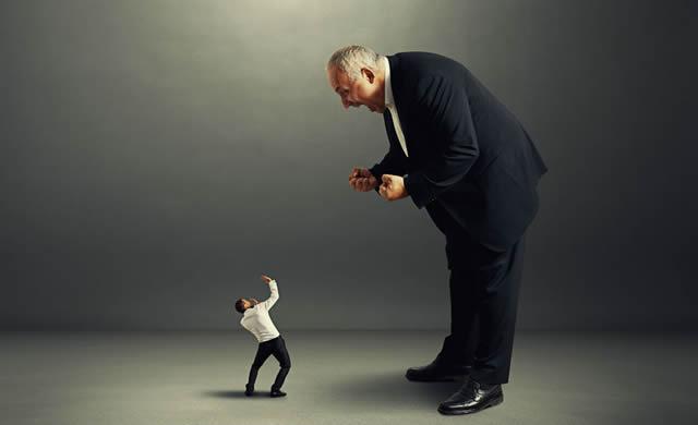mal-jefe-trabajo-community-manager