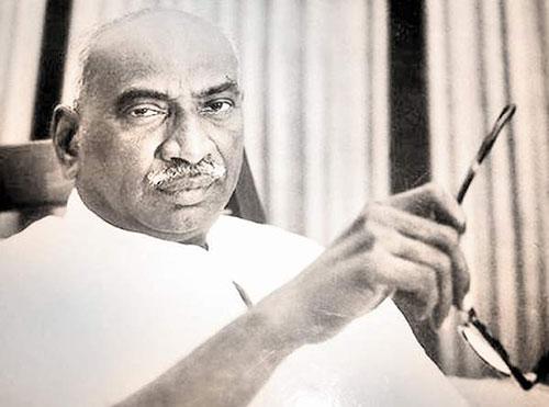 Kamarajar History in Tamil