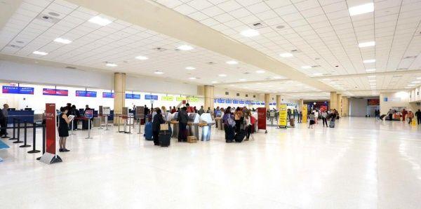 Arrestan a empleados de aeropuerto de EE.UU. por tráfico de cocaína