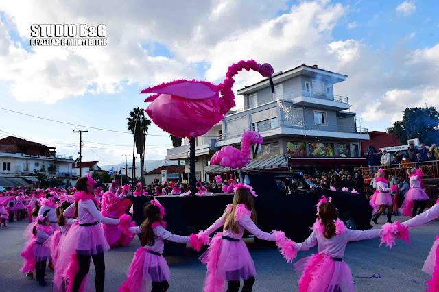 Αργολίδα: Τρελό κέφι στην καρναβαλική παρέλαση της Νέας Κίου (βίντεο)