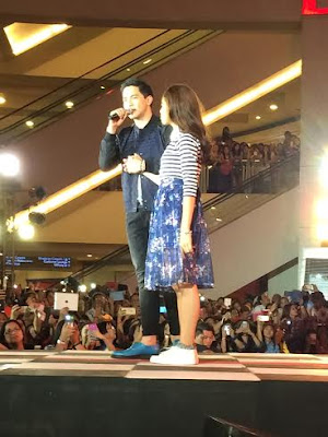 Alden and Maine serenading the fans