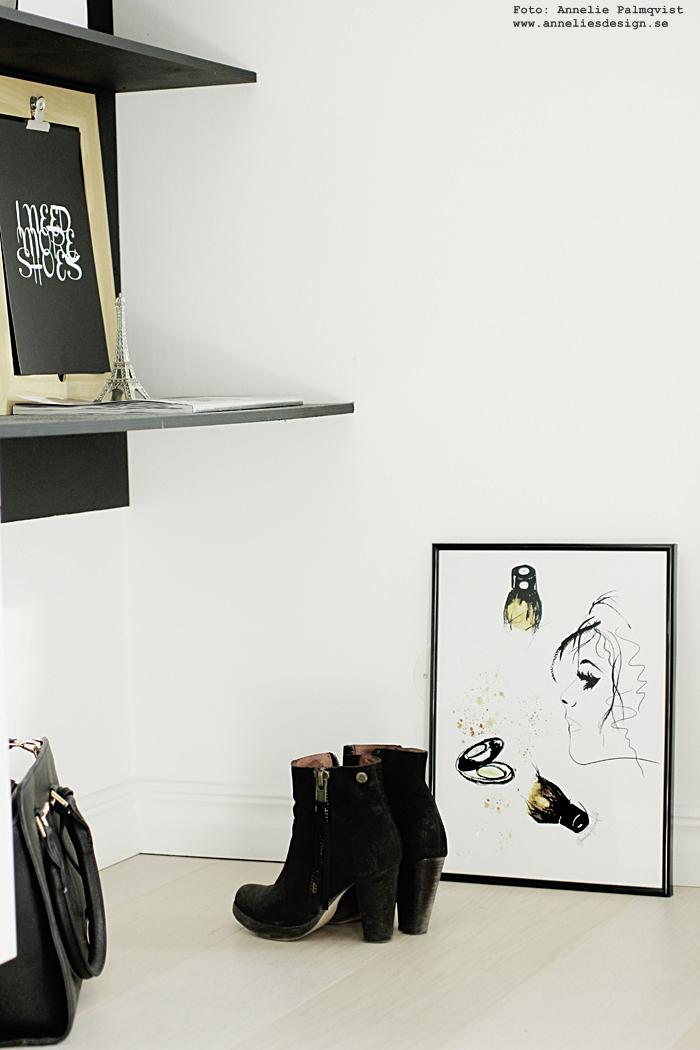 i need more shoes, skor, tavla, tavlor, poster, psoters, svar toch vitt, svartvit, svartvita, annelies design, eiffeltorn, eiffeltornet, inredning, prydnad, dekoration, nettbutikk, plakat, plakater, tavlor, walk in closet,
