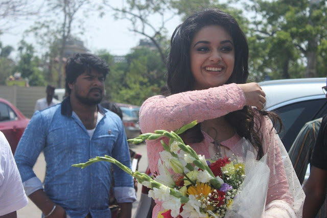 keerthy suresh latest stills 2017