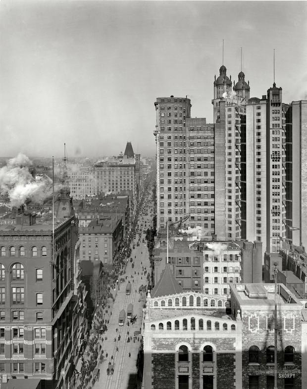 Up Broadway (1901)