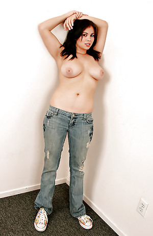Amateur Amateurs Girls Topless In Jeans Ones Definiti Justswallows 1