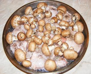 Preparare pulpe de pui cu ciuperci la cuptor retete culinare,
