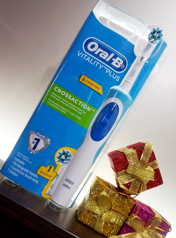 oral b vitality plus crossaction electric toothbrush giveaway