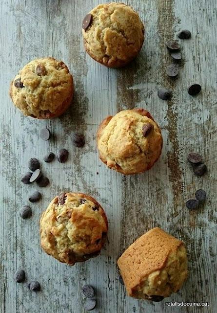 Muffins de nous i xocolata
