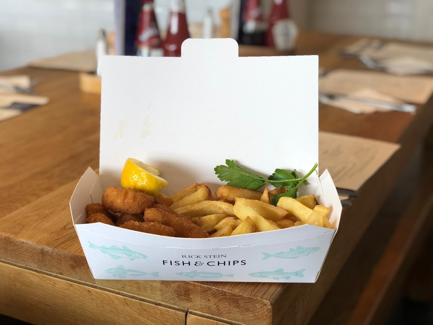 A Morning in Padstow : What to do with Kids  - Stein's scampi and chips