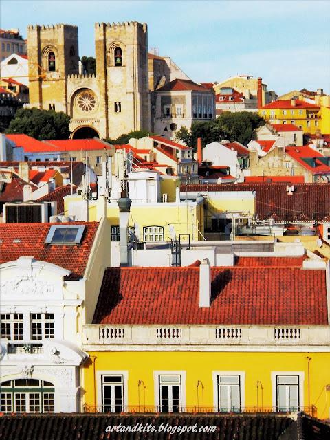 Sempre me encontro um pouco mais, quando me perco nos teus labirintos... no teu fascínio... na tua autenticidade... e diversidade... Lisboa... uma cidade com história... de mãos dadas com o presente... / I always find myself a little more, when I lose myself in your labyrinths... in your fascination... in your authenticity ... and diversity... Lisbon... a city with history... hand in hand with the present...