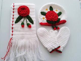 Bufanda y Gorros tejidos de rosas
