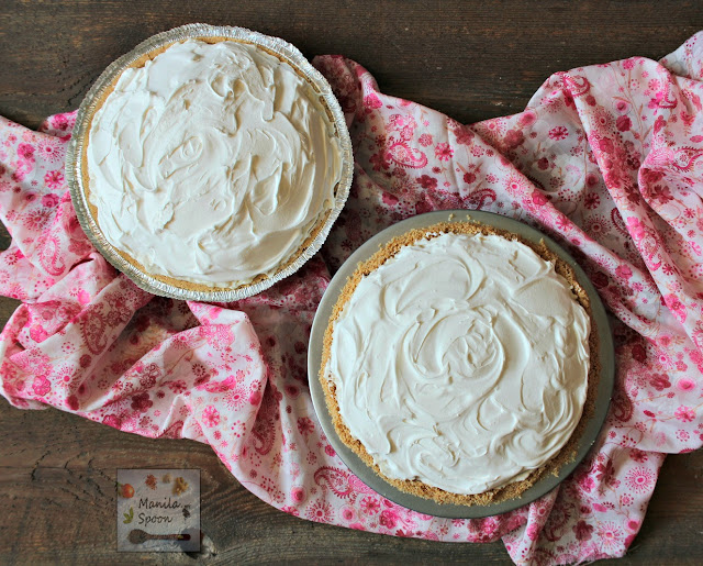In 15 minutes or less you can make this easy and yummy classic summer pie that's creamy, fruity-sweet, light and no bake, too. We served this in a potluck and it was a huge hit! |  manilaspoon.com