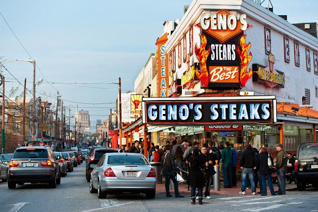Comer o Philly Cheese Steak no Geno's Steaks e no Pat's King of Steak