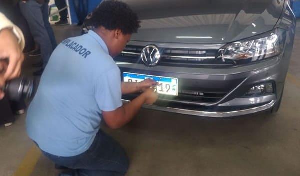 Nova placa de carro padrão mercosul