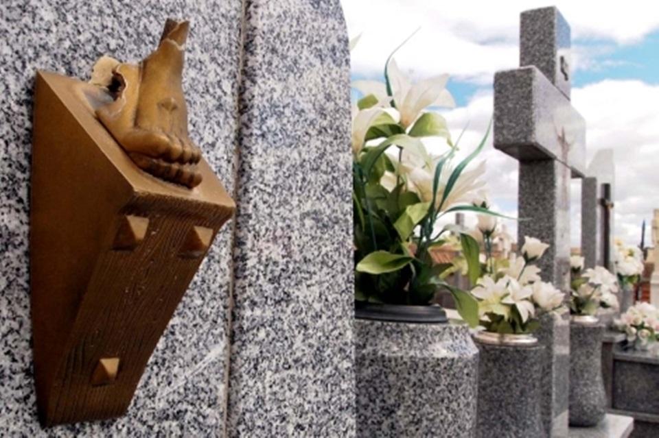 Concejal propone cerrar el cementerio