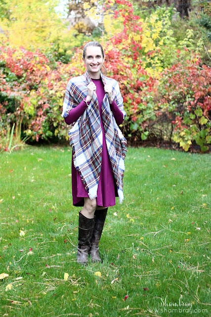 Classic Fall look: Boots with blanket scarf