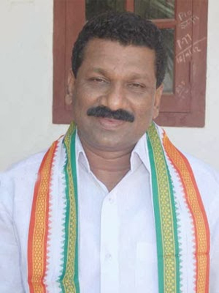 Satheeshan Pacheni is fasting in Kannur on Wednesday, Kannur, Murder, DCC, President, Congress, CPM, Clash, Politics, Kerala