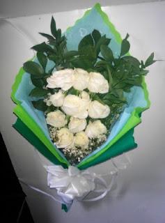 Hand Bouquet (WS-113)