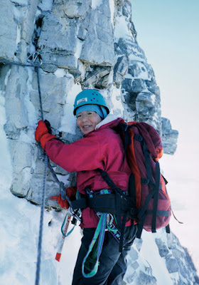 The first woman to climb Mount Everest dies at age 77