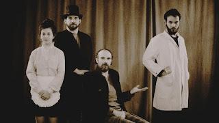"""""""Ο Δόκτωρ Τζέκιλ και Κύριος Χάιντ"""" του Ρόμπερτ Στίβενσον, σε σκηνοθεσία Βασίλη Μαυρογεωργίου και Θανάση Δόβρη."""