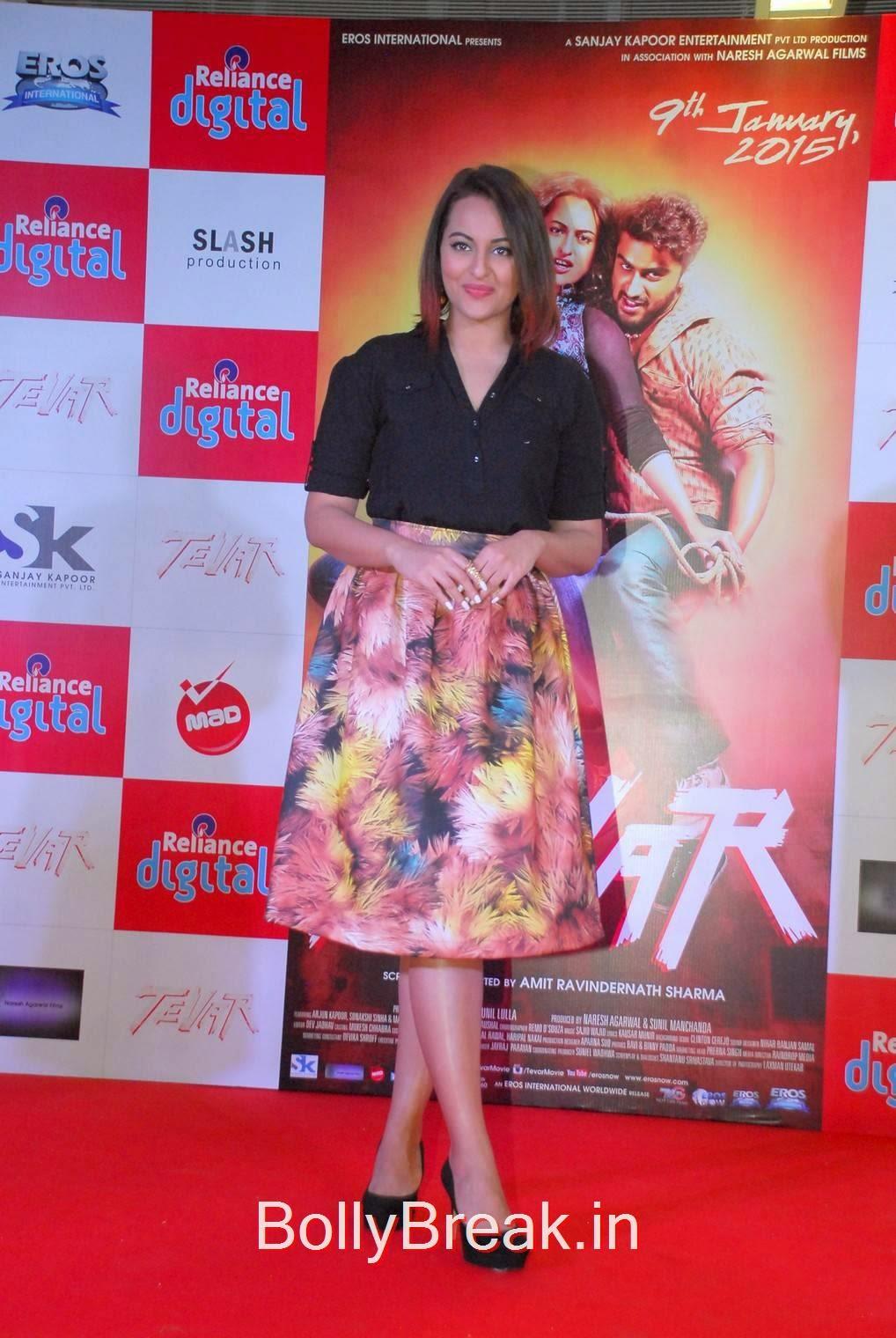 Hindi Actress Sonakshi Sinha, Sonakshi Sinha Hot Pics In Skirt At Reliance Digital Infiniti Mall 2 Malad
