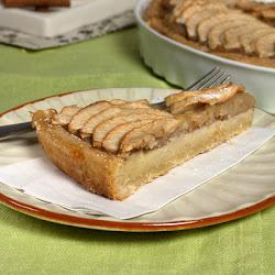 Tart sa jabukama i kremom od badema