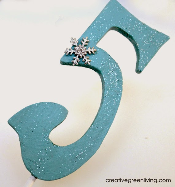 How to make an easy frozen birthday party centerpiece
