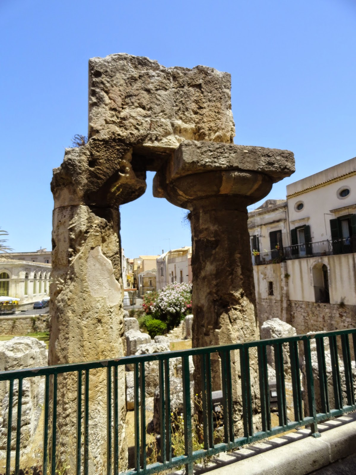 Apollo's-Temple-Ortygia-Sicily