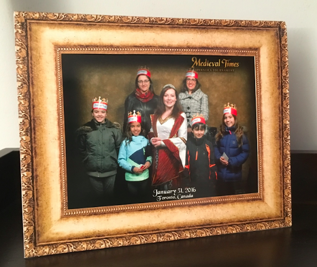 Medieval Times Toronto #MedievalTimesTO #mtfan - group photo