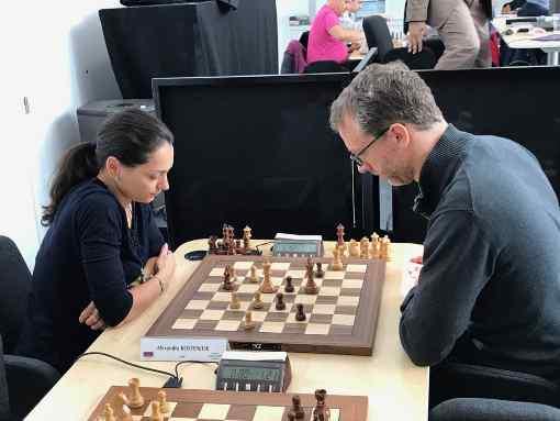 La championne du monde d'échecs 2010 Alexandra Kosteniuk joue à Paris ce samedi 16 septembre au Blitz d'Oscaro ! - Photo © Chess & Strategy