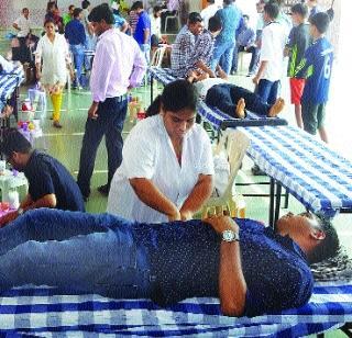 समाजमित्र आणि मुंबई पोलीसांचा ब्रेन स्टीफनला रक्तदानाने श्रद्धांजली