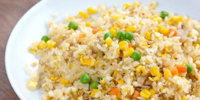 nasi goreng sederhana untuk bekal anak