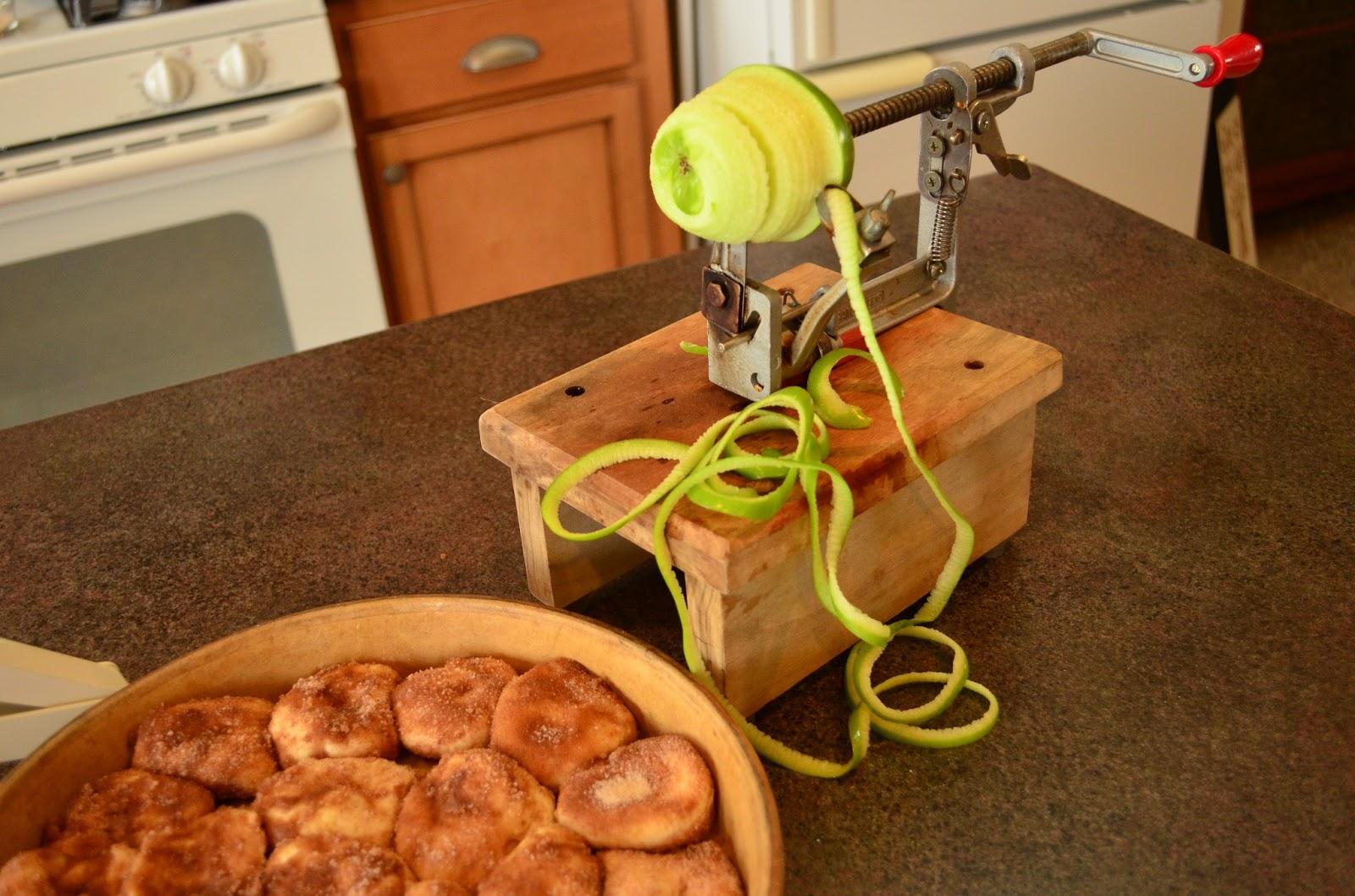 Hellafinekitchen Apple Nut Ring