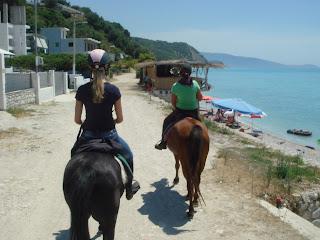 Albania, riitta reissaa, King Skjerdilad, rantalaukka, horsexplore