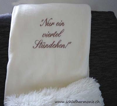https://www.schlafharmonie.ch/product_info.php?info=p919_wolldecke-mit-gesticktem-spruch.html