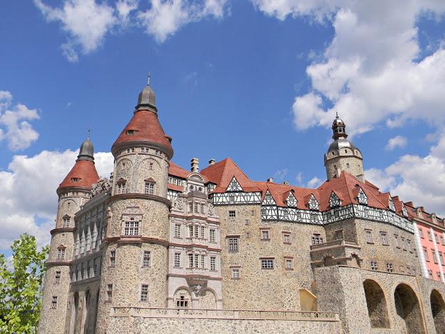 Zamek Książ powstał w miniaturze. Jest on w Kowarach i Kłodzku.