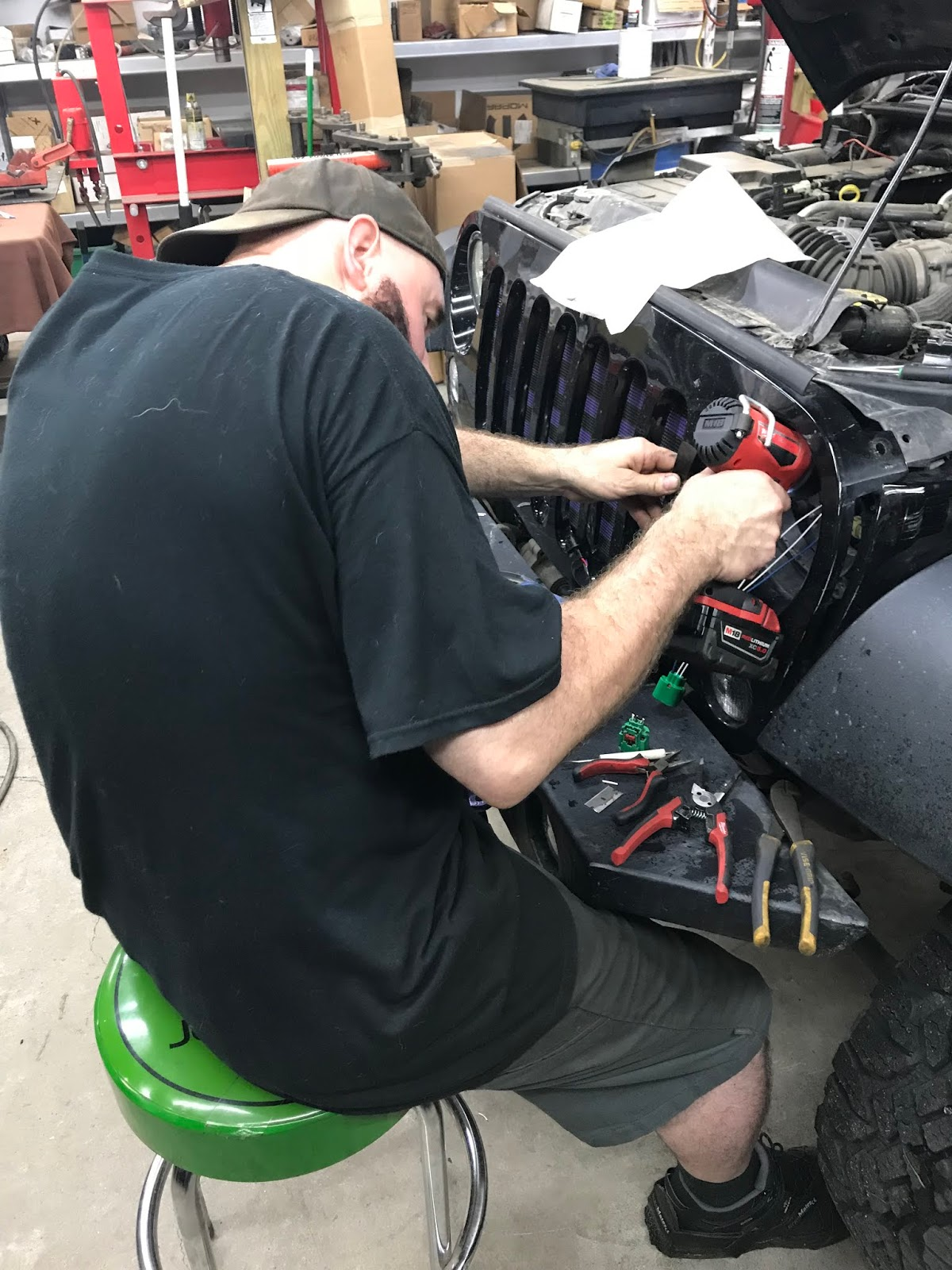Jeep Momma Blog Fixed My Headlight I Hope The Factory Wiring Or Po Of Our Headlights Before Jeff Had Ordered And Plug However Mike Mechanic Who Does Most Hands On Work Checked