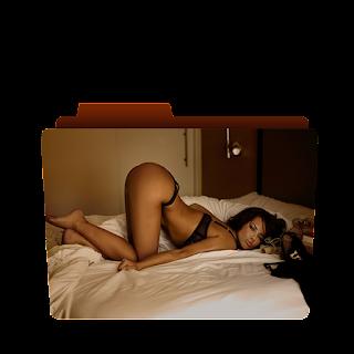 Preview of Megan Fox, nude, pose, photosgraphs