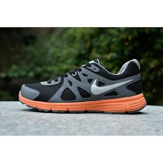 Sepatu Nike Revolution Original