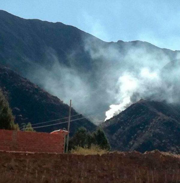 Urgente: Alcaldía confirma que el incendio en Lazareto y Turumayo se ha vuelto a reavivar