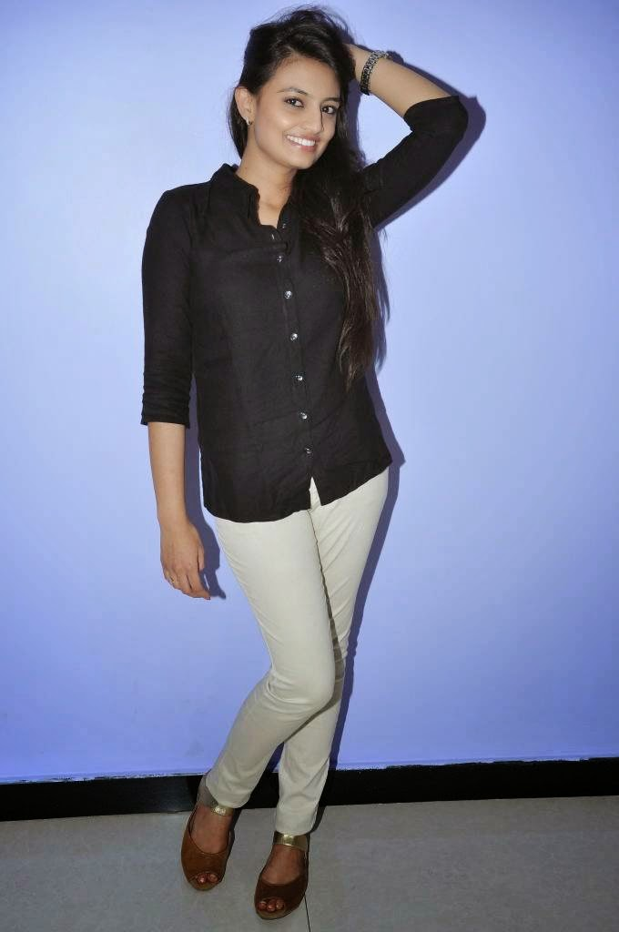 Nikitha Narayan Photoshoot In Black Shirt White Jeans At Movie Preview Show