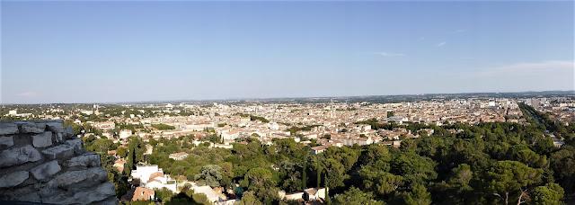 Vista panorámica de la ciudad de Nîmes